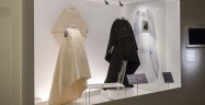 balenciaga-shaping-fashion-v-a-design-clothing-uk-london_dezeen_2364_col_44