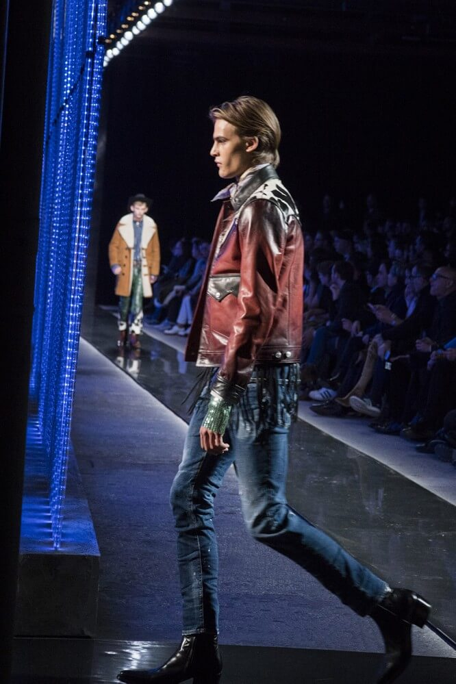 AW18M-DSquared-089