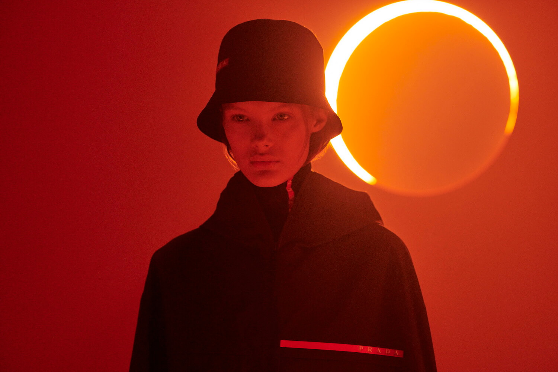 Prada Linea Rossa-Sun-07