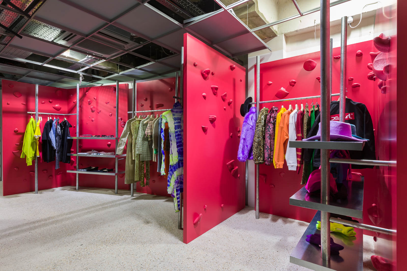 Dover Street Market SS19 - Basement - General Ladies 1
